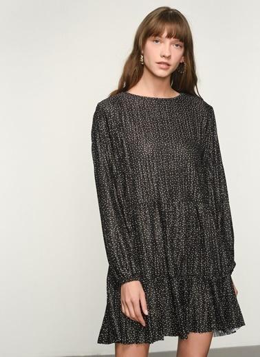 NGSTYLE NGKAW21EL0014 Volanlı Puantiye Desenli Elbise Siyah
